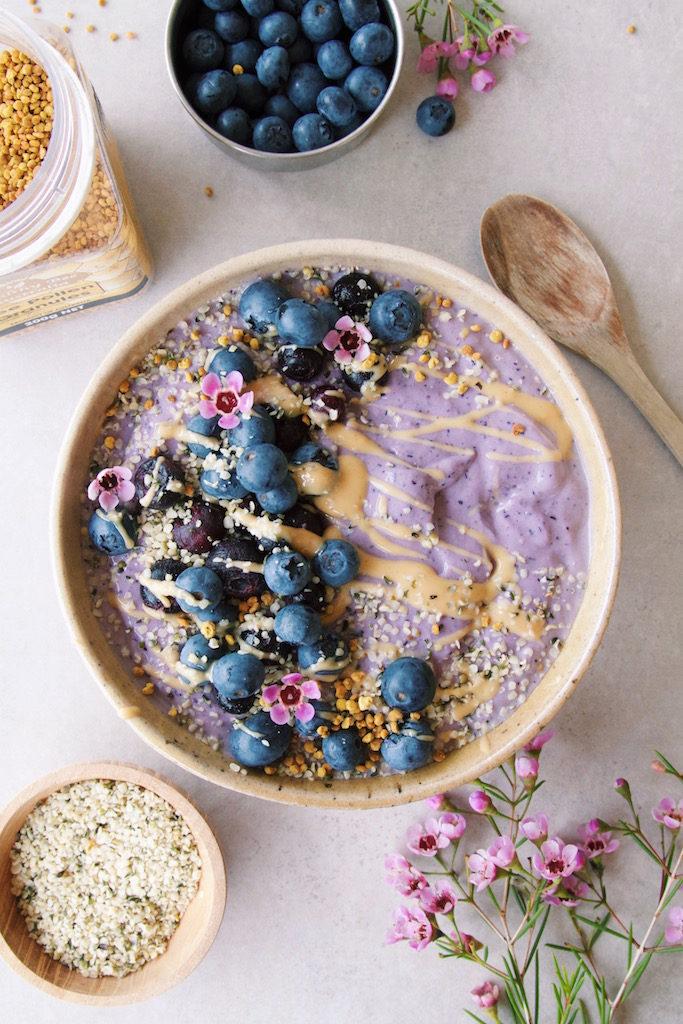 Veggie-based Blueberry Smoothie Bowl (low-sugar)